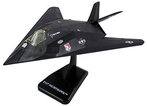 (Pilot F-117 Stealth Fighter Model Kit - Easy Build)