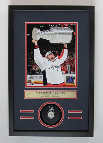 (Alexander Ovechkin Capitals Signed Hockey Puck Shadow Box Framed Beckett 142870)