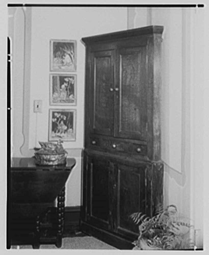 1964 Photo Elinor Merrell, business at 18 E. 69th St., New York City. Cupboard III Location: New (Party City Locations Nyc)
