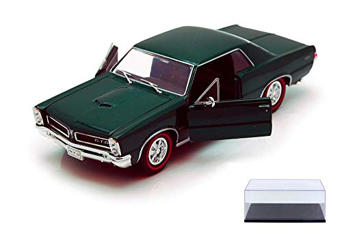 Welly Diecast Car & Display Case Package - 1965 Pontiac GTO, Green 22092 - 1/24 Scale Diecast Model Toy Car w/Display Case