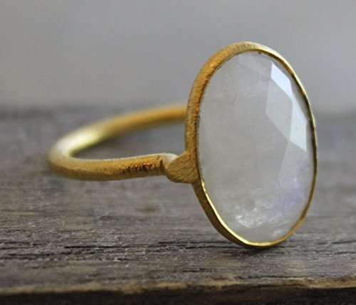 (Oval Rainbow Moonstone Gemstone Gold Plated Sterling Silver Statement Ring, size 8)