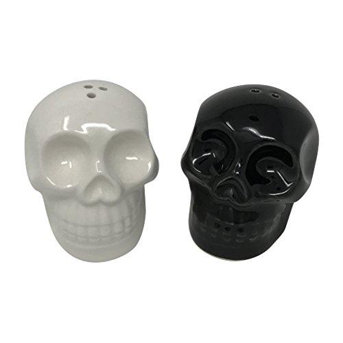 Black and White Skull Salt & Pepper Shakers -