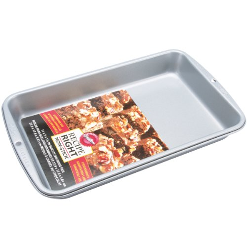 Wilton Recipe Right 11 Inch x 7 Inch x 1.5 inch Biscuit Brownie Pan
