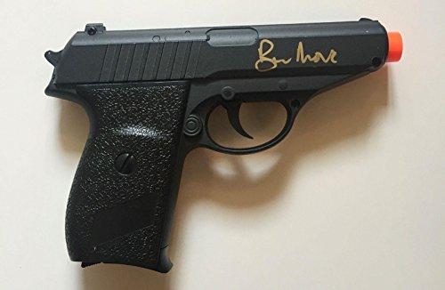sir-roger-moore-james-bond-007-moonraker-signed-air-soft-metal-gun-psa