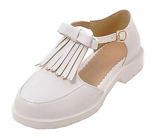VogueZone009 Women Buckle PU Round-Toe Low-Heels Solid Sandals White