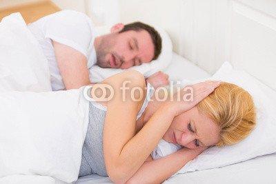 AluminiumDibond 80 x 50 cm AluminiumDibond image 80 x 50 cm   Young woman can t sleep because of boyfriend s snoring , image on a AluminiumDibond