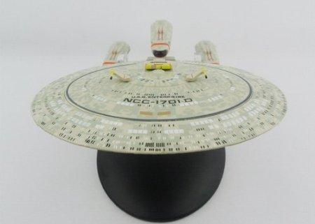 (Star Trek: The Next Generation Future USS Enterprise Ncc-1701-D Model (All Good Things) Die-cast Starship Collection by Star Trek The Next Generation TNG)