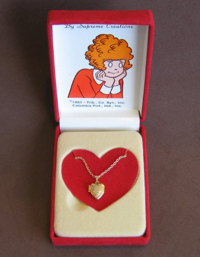 little-orphan-annie-heart-shape-pendant-locket-necklace-1-2-small-gold-tone-1981