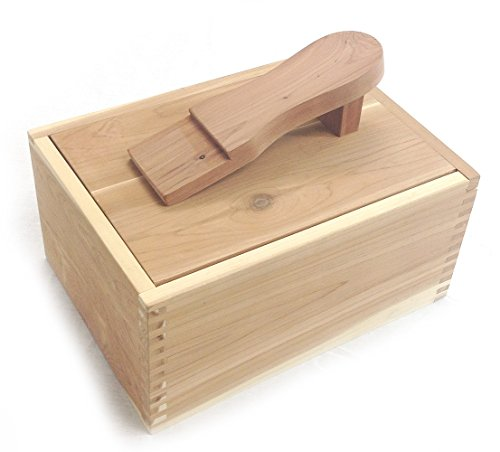Cedar Elements Shoe Shine Box (Footrest Red Cedar)