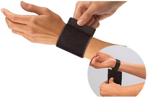 Mueller Wrist Support with Loop Black One Size Fits Most