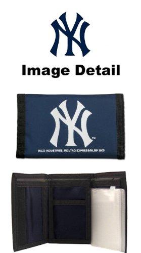 (New York Yankees MLB Team Logo Tri Fold High Quality Nylon Pocket Wallet)