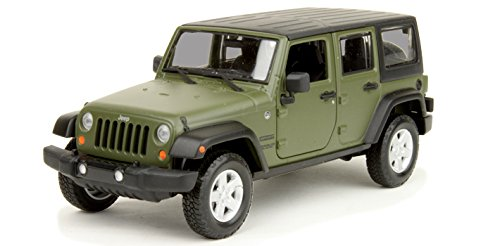 Superb Maisto 2015 Jeep Wrangler Unlimited 1/24 Scale Diecast Vehicle Green