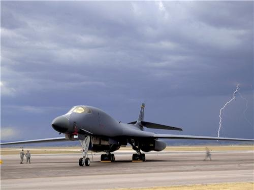 B-1 BOMBER LIGHTNING GLOSSY POSTER PICTURE PHOTO jets usa aircraft air (Air Force Aircraft Photos)