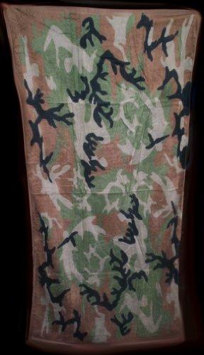 (WOODLAND CAMO BEACH TOWEL 30 x 60 (Cotton Twill))
