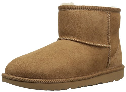 (UGG Kids K Classic Mini II Pull-on Boot, Chestnut, 6 M US Big Kid)