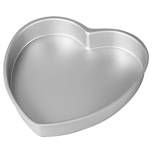 (Wilton Aluminum Heart Shaped Cake Pan, 8 inch)