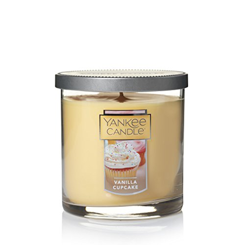Yankee Candle Small Tumbler Candle, Vanilla Cupcake (Candle Cake Small)