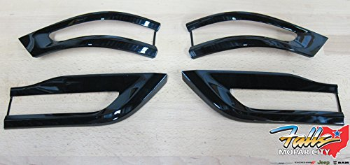 Jeep Grand Cherokee Gloss Black Tail Light Trim Bezel Kit Mopar OEM -