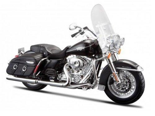 2013 Harley Davidson FLHRC Road King Classic Black…
