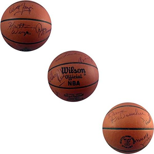 Autographed Official Nba Basketball (1972-73 New York Knicks Autographed Official NBA Basketball (JSA) - Autographed Basketballs)