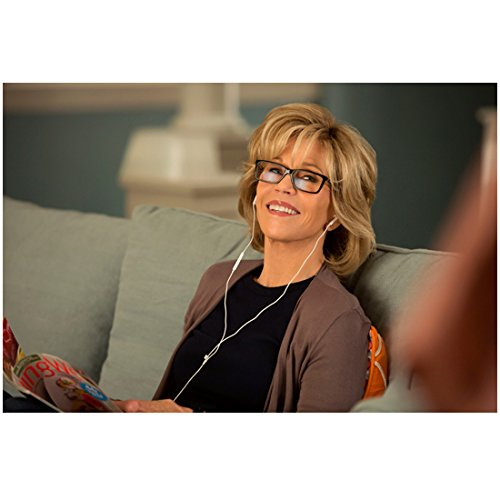 grace-and-frankie-jane-fonda-as-grace-seated-and-smiling-listening-to-music-8-x-10-inch-photo