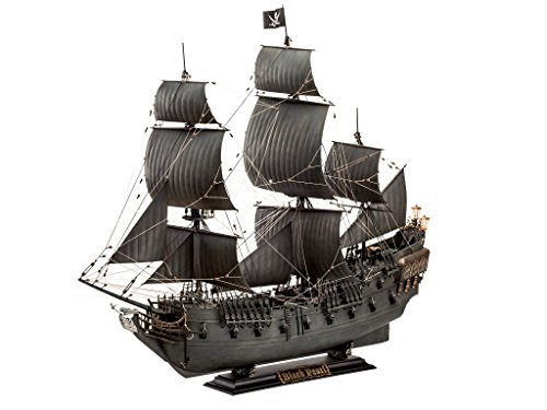 Revell 05699, Limited Edition, Disney, Pirates of the Caribbean, Black Pearl, 1:72 Scale plastic model Pirate Ship Revenge