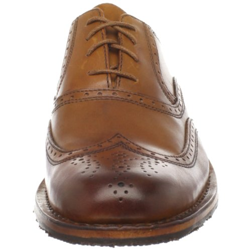 The Lining is the material used on the inside of the shoes which rests against the foot during wear. Full Leather lining This is regarded as the best finish to have, the complete interior of the shoe is lined with leather which gives comfort & absorbs the moisture given off from the foot during wear.