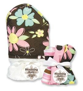 (Trend Lab Blossoms Bouquet Set - Hooded Towel and 5 Pack of Wash Cloths)