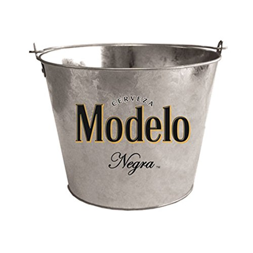 Modelo Negra Galvanized Beer Bucket With Bottle Opener