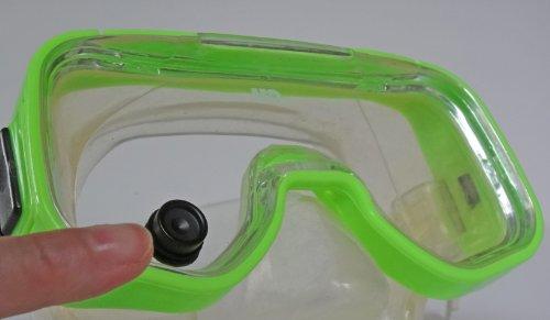 magnetic-fog-wiper-for-scuba-snorkel-mask