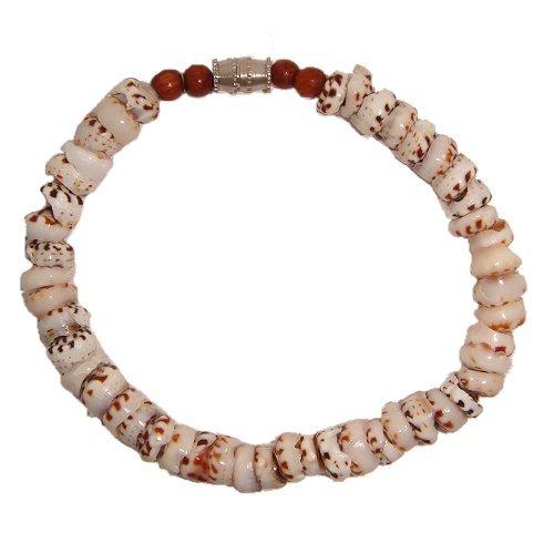 Hawaiian Tiger Puka Shell Bracelet with Koa Wood Accents ()