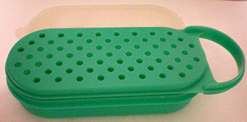 (Vintage Green Tupperware Grater complete with lid)