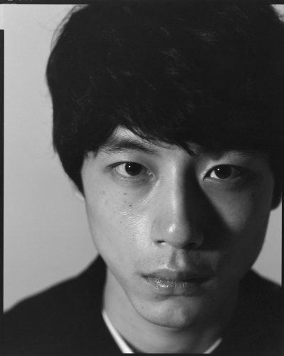 坂口健太郎 1st写真集 『25.6』 (発売日: 2018/3/16)