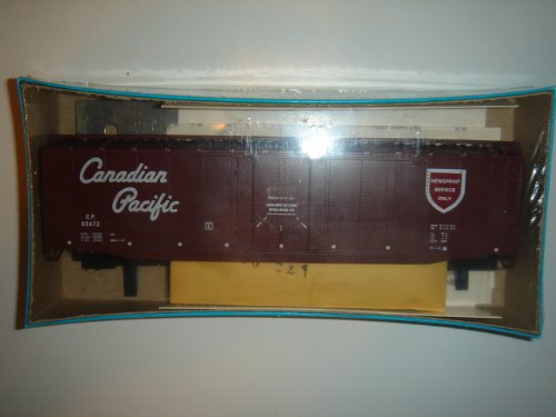 Vintage HO Scale Athearn Rail Runner Custom Canadian Pacific CP 80472 40' Plug Door Box Car in Original Box #203