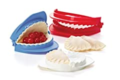 Make hand pies, dumplings, empanadas and more with Prepworks by Progressive Dough Press Set. The once labor-intensive process has been reduced to four simple steps: cut, fill, fold and press to seal. These set of 3 dough presses have approxim...