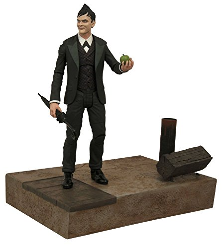Diamond Select Toys Gotham Select: Oswald Cobblepot Action Figure