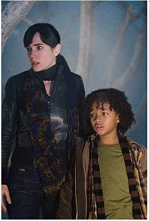 The Day The Earth Stood Still 2008 8 Inch X10 Inch Photo Jennifer Connelly Next To Jaden Smith Kn At Amazon S Entertainment Collectibles Store