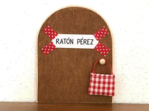 La auténtica puerta mágica del Ratoncito Pérez. Con una preciosa bolsita de tela para dejar el diente.