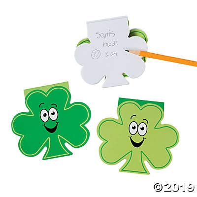 Fun Express - Shamrock Shaped Notepads for St. Patrick's Day - Stationery - Notepads - Notepads - St. Patrick's Day - 24 Pieces