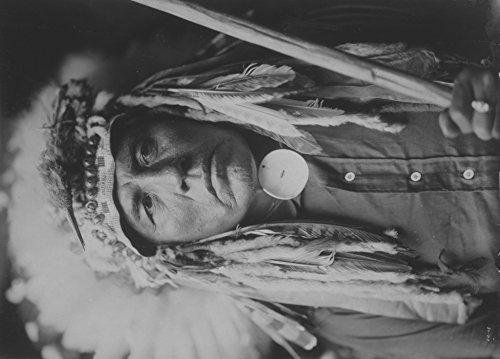 Apsaroke Indian with headdress Edward Curtis Photograph (12x18 Art Print, Wall Decor Travel Poster)