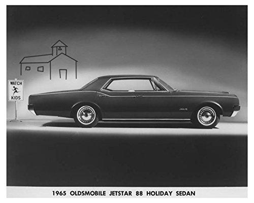 1965-oldsmobile-jetstar-88-holiday-sedan-automobile-factory-photo