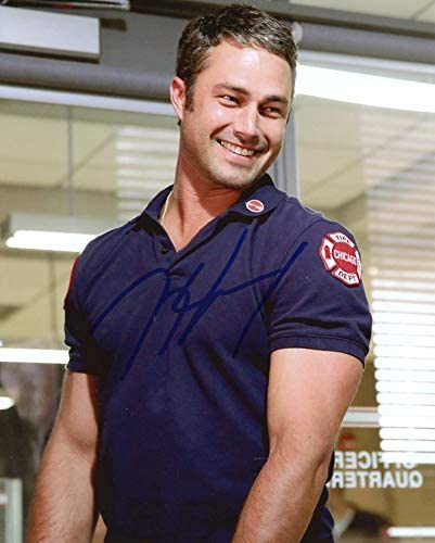Taylor Kinney Chicago Fire In Person Autographed Photo At Amazon S