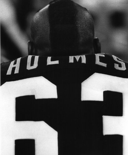 (ERNIE HOLMES PITTSBURGH STEELERS 8X10 SPORTS ACTION PHOTO (A) )