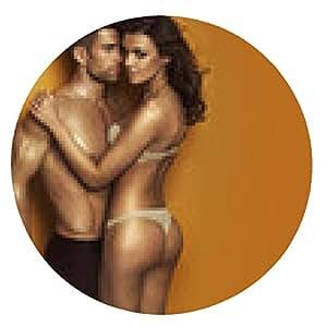 alfombrilla de ratón Apuesto hombre abrazado por chica sensual - ronda - 20cm