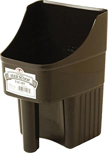 Image of Miller Co Enclosed Feed Scoop, 3 Quart, Black