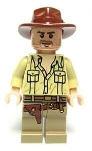 LEGO Indiana Jones: Indiana Jones Con Open Camisa Minifigura