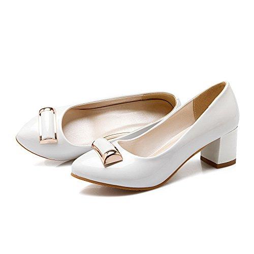 AllhqFashion Mujeres Sólido Tacón ancho Sin cordones De salón con Ornamento Metal Blanco