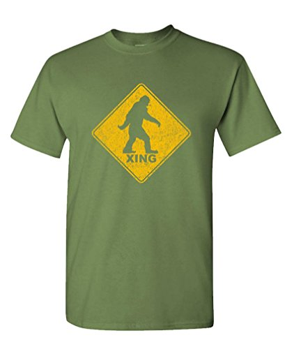 Bigfoot Value T-shirt - Bigfoot Crossing - Sasquatch Squatchin' Gag - Mens Cotton Tee, XL, Military