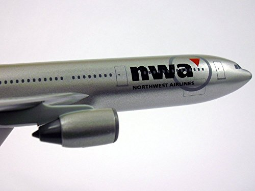 - Airbus A330-300 Northwest Airlines 1/200 Scale Model by Flight Miniatures