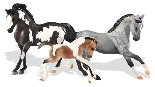 Review Breyer Stablemates Horse Family